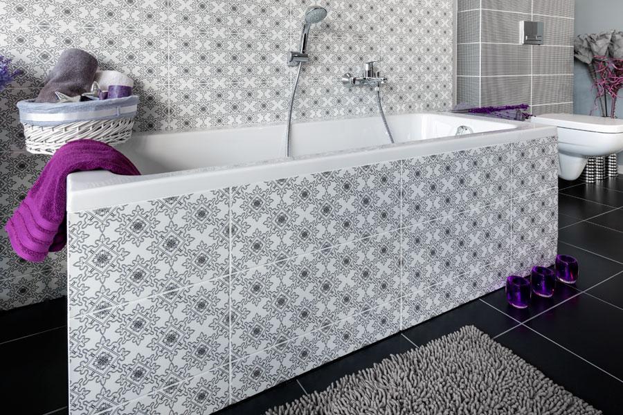 Emaljerat modernt badkar i retrostil