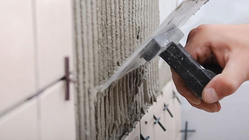 Vad du behöver veta om fuktspärr, fix och fogmassor i badrum