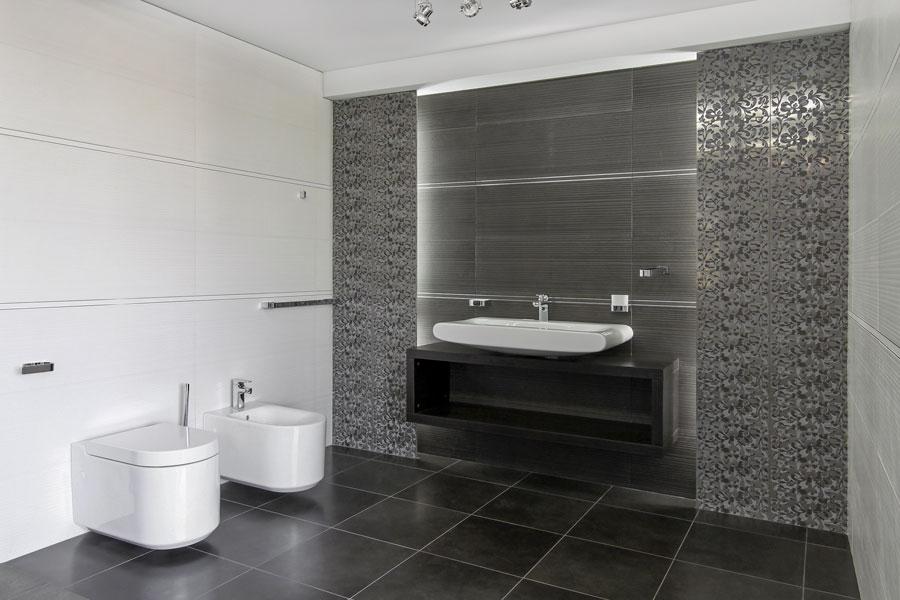 Fondvägg i badrum