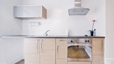 10 tips för att skapa känsla av rymd i det lilla köket