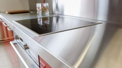 Rostfri diskbänk – en modern klassiker i köket