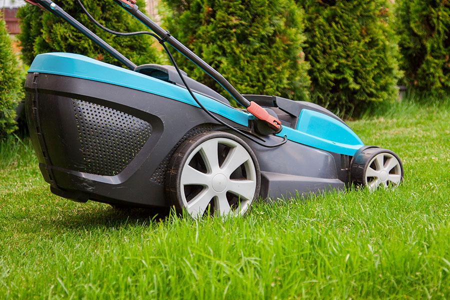 Batteridriven gräsklippare