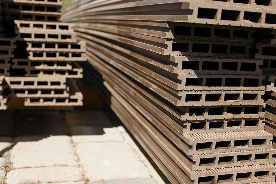 Brädor av träkomposit