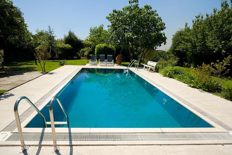 swimming pool kostnad