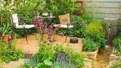 Trädgårdsutsmyckning och trädgårdstillbehör