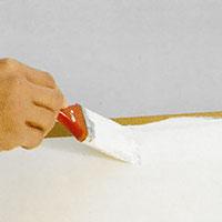 Vill du måla om hela luckan, stryk då med den ljusaste färgen över hela målningsytan