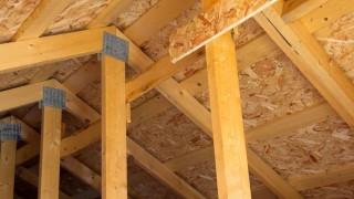 Byggbeslag – Foga och skarva trä med byggbeslag