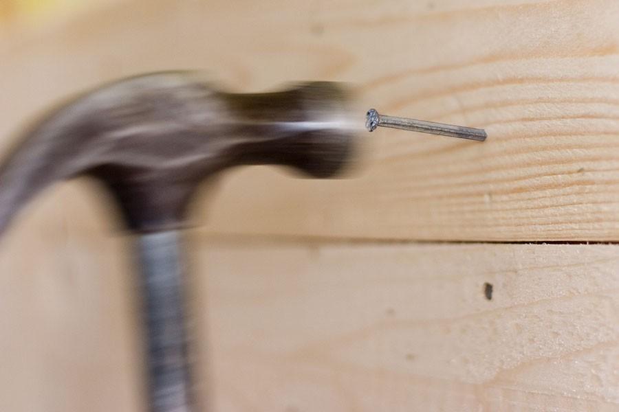 hammare-och-spik.jpg