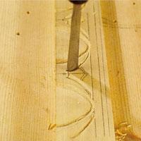 hugg linjerna rena med hjälp av en skölp