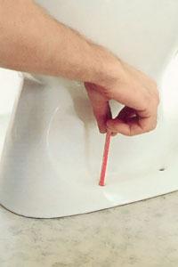Markera borrhålen med en penna