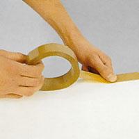 Markera målningsytan med maskeringstejp