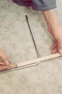 Ta bort kopparrester grader med t ex en vass kniv.