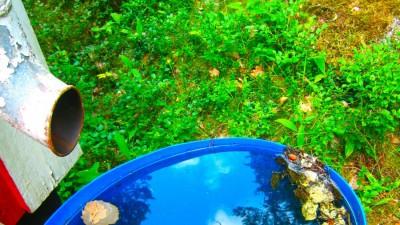 Led bort vattnet från husgrunden på ett enkelt sätt