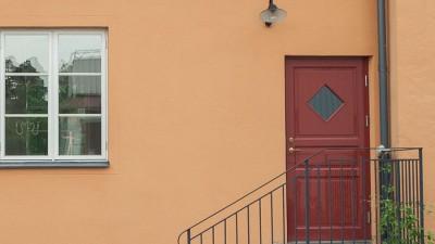Olja eller måla om en ytterdörr