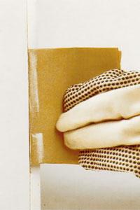 Gör ren falsen med slippapper