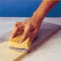 Använd en svamp eller målardyna så får du en jämnare yta