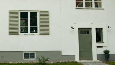 Bygg fönsterluckor i trä