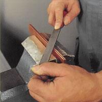 Jämna ytan med dragfilning med enkelgradig fil.