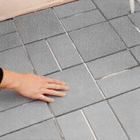 Fördela färgnyanserna över hela golvet.