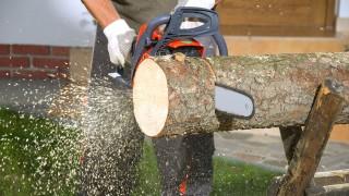 Lägg trädgårdsgång med träkubb