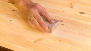 Möbelrenovering – laga märken i gamla möbler
