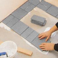 Lägg 3:e plattraden vinkelrätt Arbeta lugnt och metodiskt