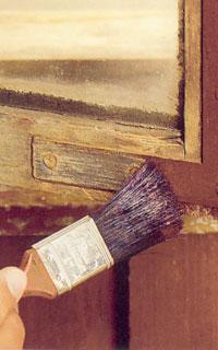 Måla beslag och gångjärn med rostskyddsfärg