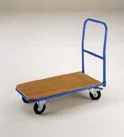 På en platåvagn kan du lasta många kartonger så att du slipper springa många gånger