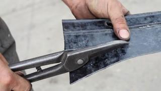 Forma metall med handverktyg