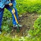 Skala av matjorden och schakta ur underliggande mark