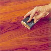 slipa träet direkt när oljan strukits på.