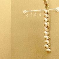 Olika upphängningsanordningar är bra för t ex lök, kål eller vitlök.