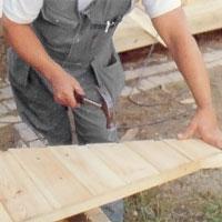Klä den yttre takstolen med panel