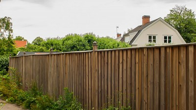 Måla om ett trädgårdsplank