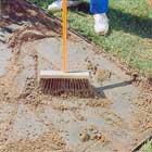 Sandfyller fogarna en exktra gång några dagar efter läggning