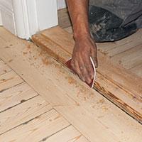Passa på att slipa och lackera tröskeln när du har maskin och material hemma