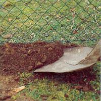 Toppen Stängsel - Så här sätter du upp ett stängsel av nät | dinbyggare.se BT-93