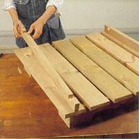 Lägg ut de båda kluvna väggbrädorna