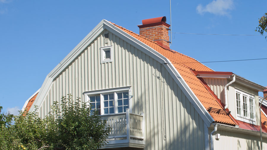 brutet tak, även kallat mansardtak