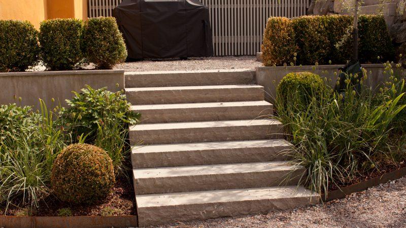 Entrétrappor i betong, sten eller trä