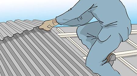Korta längder av plåttaket monteras upp till nock innan du på nytt börjar vid takfoten och lägger upp mot nocken