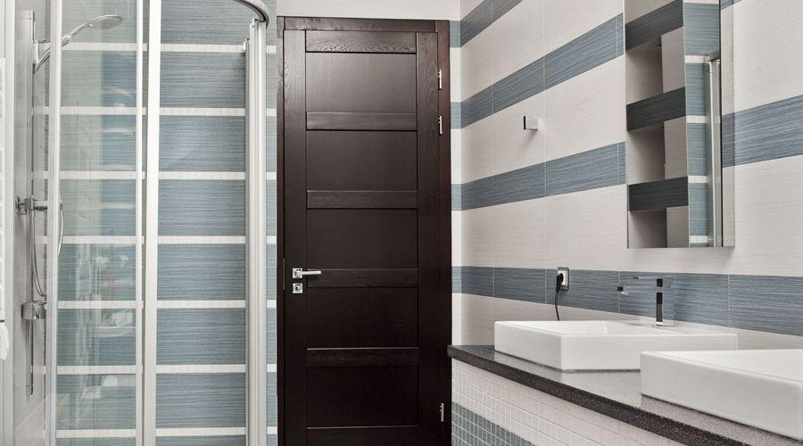 badrumsdorr-med-speglar.jpg