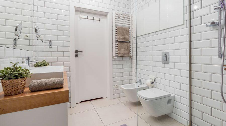 enkelt-stilrent-badrum.jpg