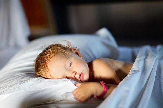 minskat-buller-inomhus-sover-skont.jpg