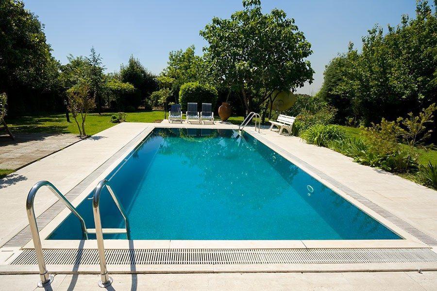 hur mycket kostar det att bygga pool
